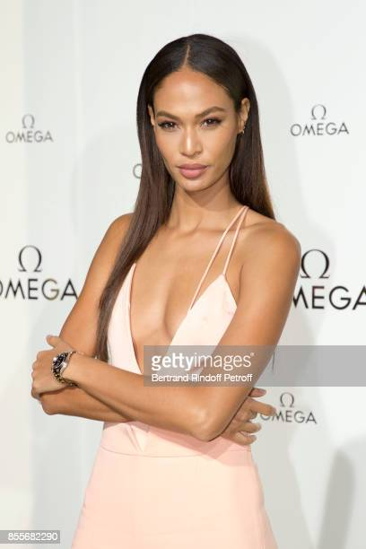 """Joan Smalls attends """"Her Time"""" Omega Photocall as part of the Paris Fashion Week Womenswear Spring/Summer 2018 on September 29, 2017 in Paris, France."""