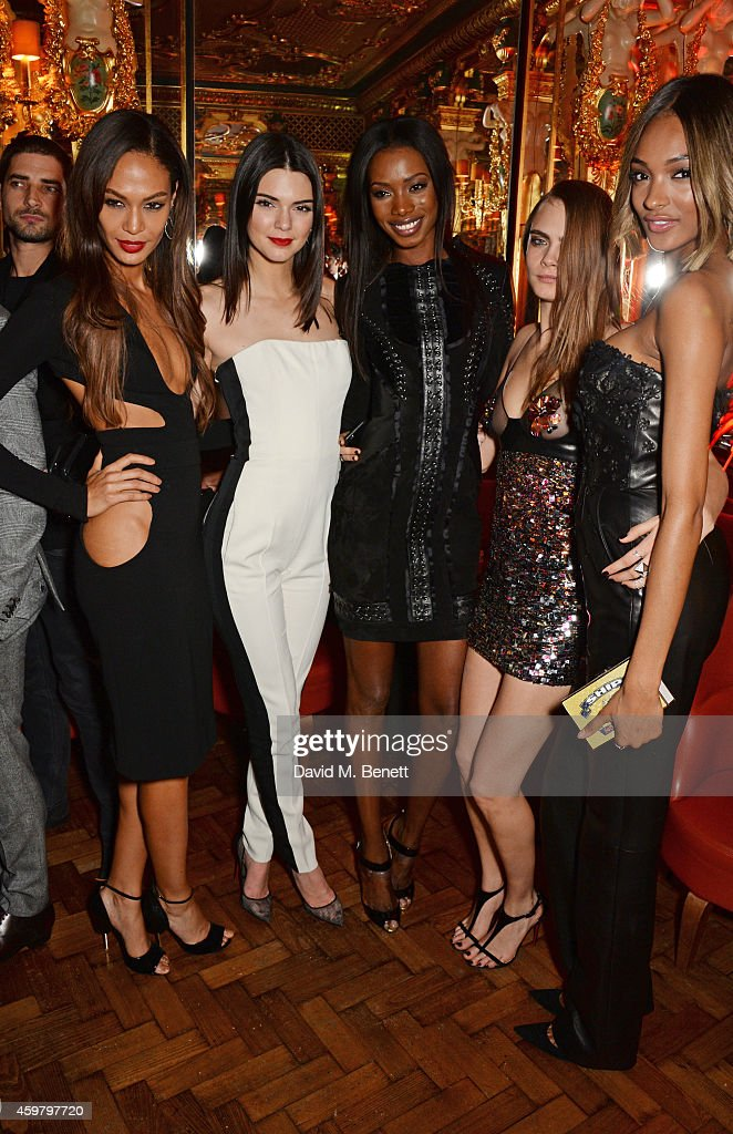 Joan Smalls, Kendall Jenner, Sigail Currie, Cara Delevingne and Jourdan Dunn attend a party in celebration of Edward Enninful in The Oscar Wilde Bar, Hotel Cafe Royal, on December 1, 2014 in London, England.