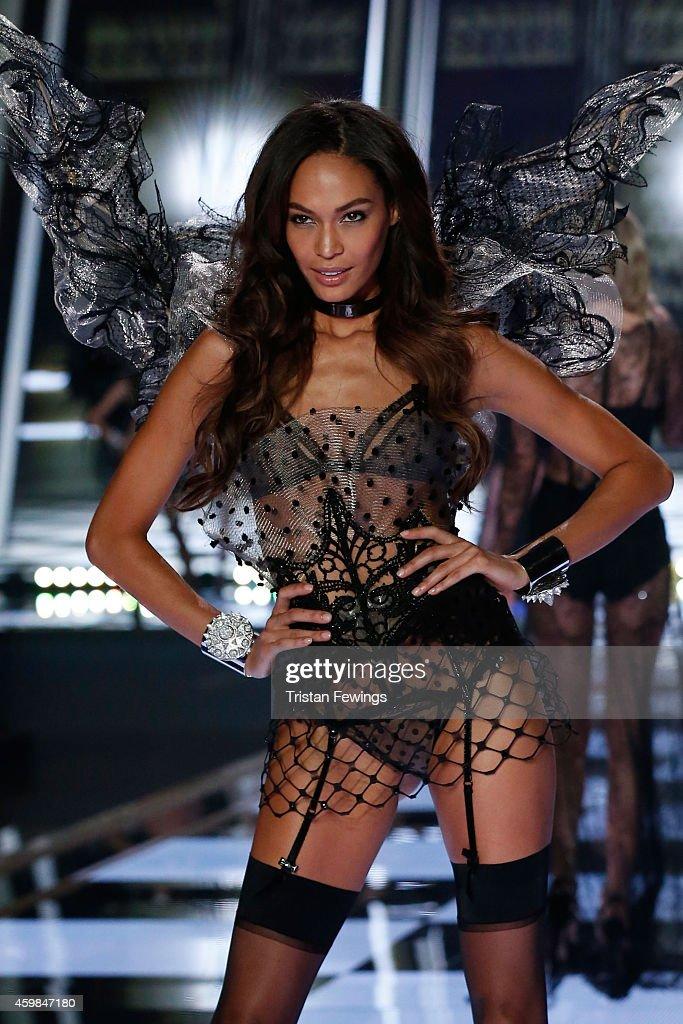 2014 Victoria's Secret Runway Show  - Swarovski Crystal Looks : News Photo