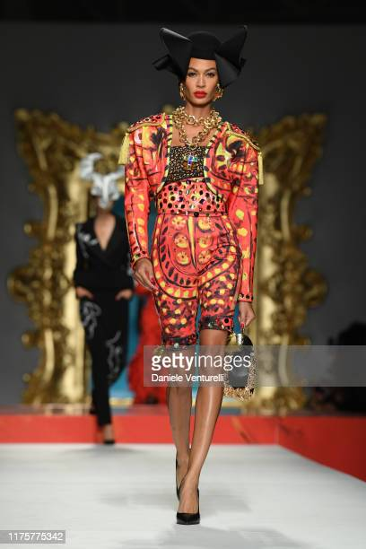 66 115 Milan Topix Photos And Premium High Res Pictures Getty Images
