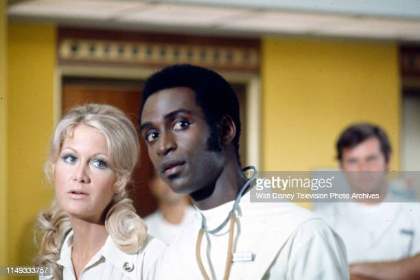 Joan Van Ark Cleavon Little appearing on the ABC tv series 'The New Temperatures Rising Show' episode 'My Doctor the Patient'