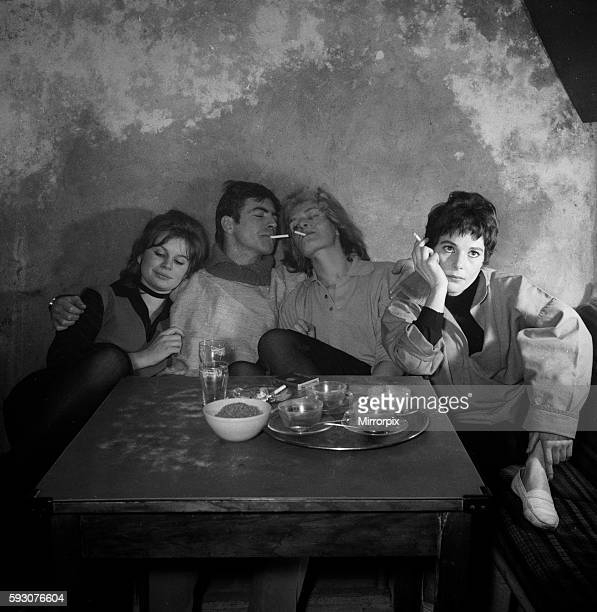 Joanna Dunham Alan Bates Sheila Allen and French actress Malon Pantari in Cafe de Artistes in Chelsea getting the feel of a Beatnik's lifestyle for...