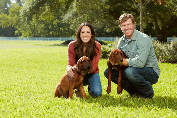 Joanna Gaines And Chip Of Hgtv S Fixer Uppers Are Photographed For People Magazine