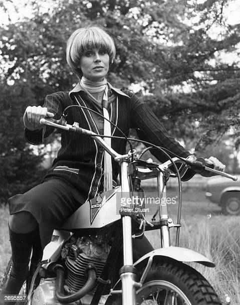Joanna Lumley the 'Bond' girl and star of the TV series 'The Avengers' Lumley popularised the 'pudding bowl' haircut in the Seventies