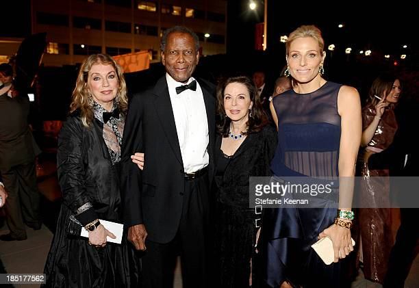 Joanna Shimkus actor Sidney Poitier Wendy Goldman and CoChair Jamie Tisch attend the Wallis Annenberg Center for the Performing Arts Inaugural Gala...