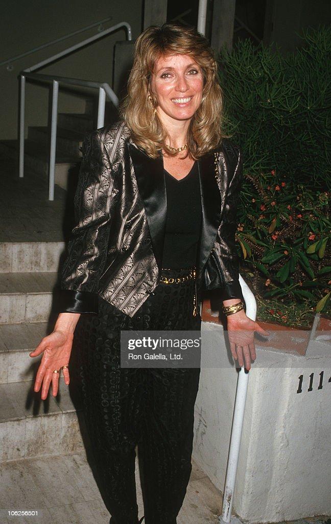 Joanna Shimkus Sighted at Spago Restaurant - April 24, 1987 : News Photo