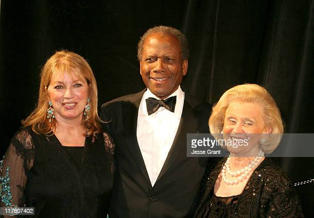 Joanna Shimkus, Sidney Poitier and Barbara Davis during The Seventh Annual Rick Weiss Humanitarian Awards Gala at Westin Mission Hills Resort in...