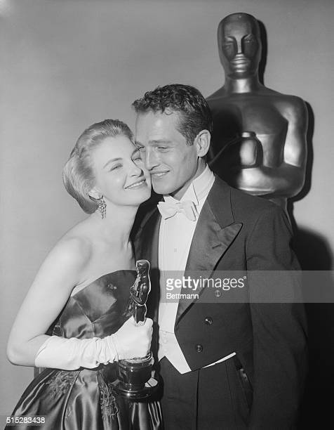 Joanne Woodward arrives at the Pantages Theatre tonight with her husband actor Paul Newman for the 30th Annual Academy Awards Joanne walked away with...