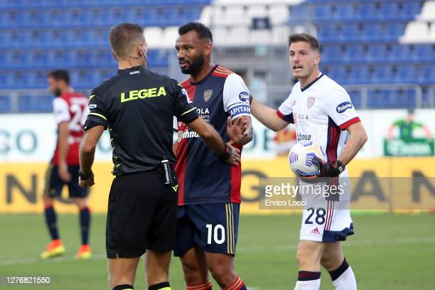 Joao Pedro protest with the referee during the Serie A match between Cagliari Calcio and SS Lazio at Sardegna Arena on September 26, 2020 in...