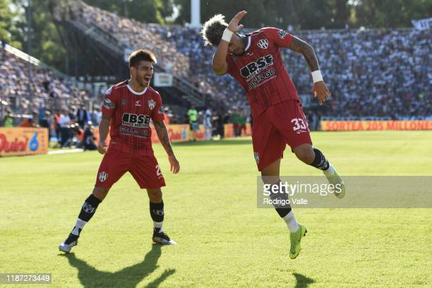 Joao Rodriguez of Central Cordoba celebrates after scoring the first goal of his team during a match between Gimnasia and Central Cordoba as part of...