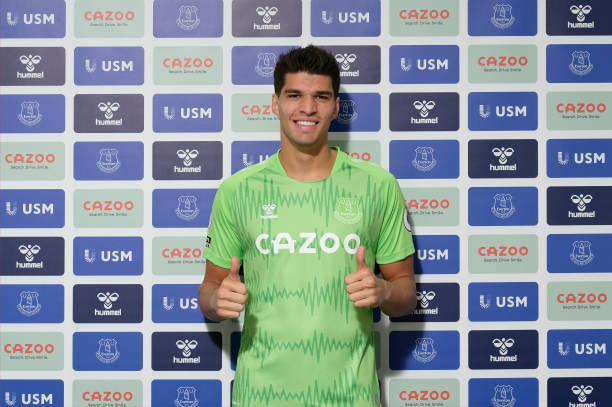GBR: Joao Virginia Signs a New Contract at Everton
