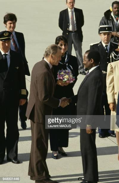 Joaquim Chissano président du Mozambique reçu par le ministre de la Justice Albin Chalandon lors de sa visite à Paris en septembre 1987 France