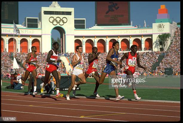 EDWIN KOECH OF KENYA LEADS THE PACK DURING THE FINAL OF THE MENS 800 METRES AT THE 1984 LOS ANGELES OLYMPICS FROM RIGHT TO LEFT THE ATHLETES ARE...
