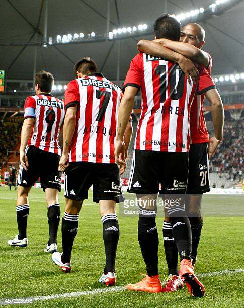 Joaquin Correa of Estudiantes and teammates celebrate their team's first goal during a match between Estudiantes and Peñarol as part of round of 16...