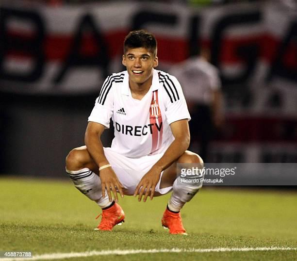 Joaquin Correa of Estudiantes de La Plata reacts after losing a chance to score during a match between River Plate and Estudiantes as part of 14th...