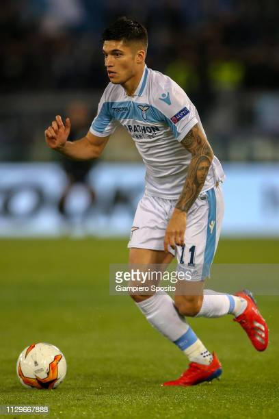 Joaquin Correa of SS Lazio controls the ball during the UEFA Europa League Round of 32 First Leg match between SS Lazio and Sevilla at Stadio...