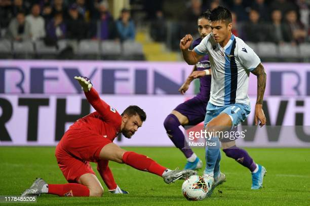 Joaquin Correa of SS Lazio scores a opening goal during the Serie A match between ACF Fiorentina and SS Lazio at Stadio Artemio Franchi on October 27...