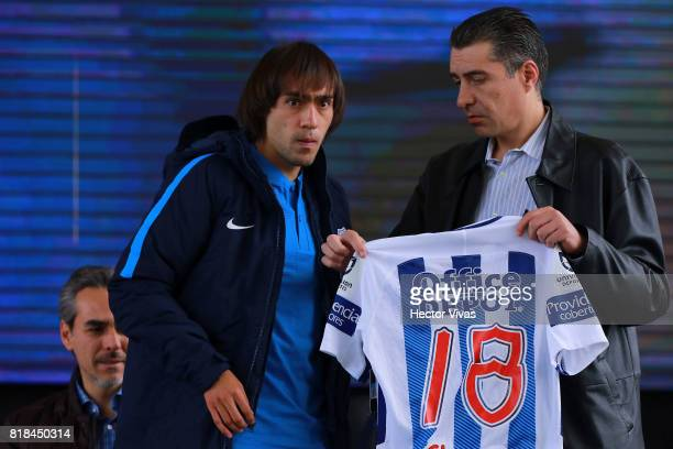 Joaquin Martinez of Pachuca receives his new jersey during a press conference to unveil Pachuca's new signings at Universidad del Futbol y Ciencias...