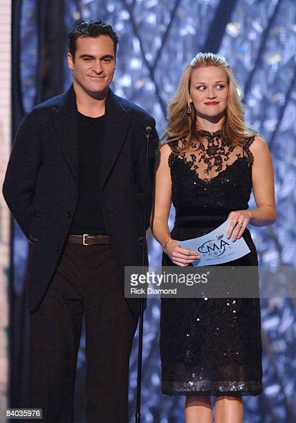 Joaquin Phoenix and Reese Witherspoon presenters