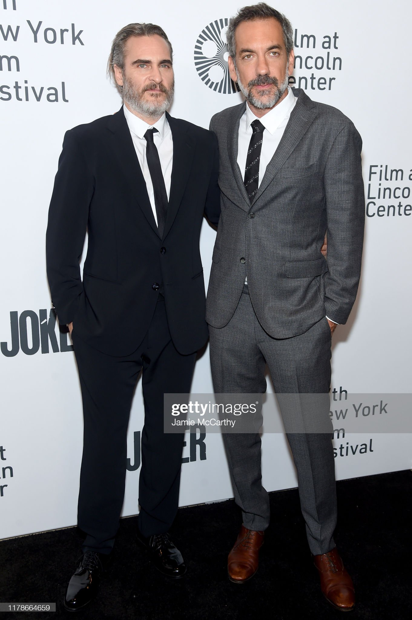 ¿Cuánto mide Joaquin Phoenix? - Altura - Real height Joaquin-phoenix-and-todd-phillips-attend-the-57th-new-york-film-at-picture-id1178664659?s=2048x2048