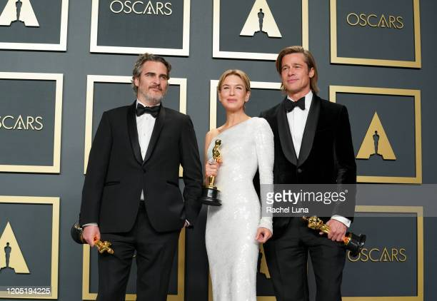 """R Joaquin Phoenix winner of the Actor in a Leading Role award for """"Joker"""" Renée Zellweger winner of the Actress in a Leading Role award for """"Judy""""..."""