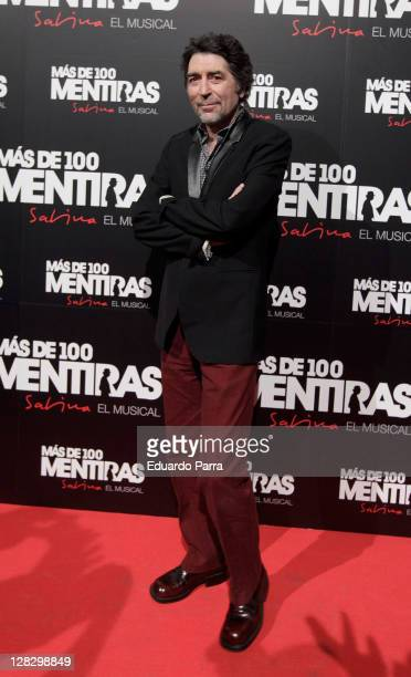 Joaquin Sabina attends the 'Mas De 100 Mentiras' premiere photocall at Rialto Theatre on October 6 2011 in Madrid Spain