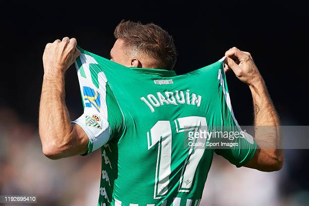 Joaquin Sanchez of Real Betis celebrates scoring his team's third goal during the Liga match between Real Betis Balompie and Athletic Club at Estadio...