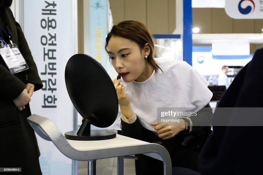 Inside A Job Fair Ahead Of South Korea Unemployment Figures : News Photo