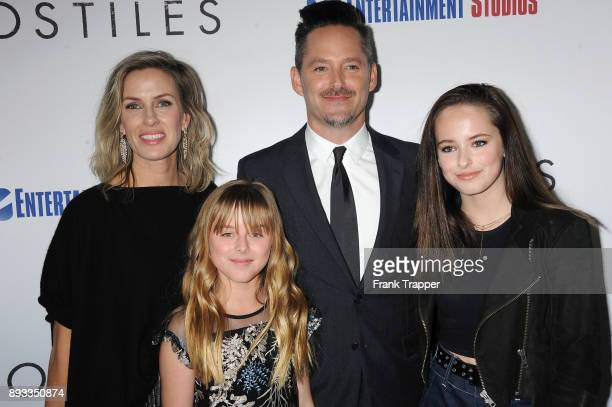 Jocelyne Cooper Stella Cooper director Scott Cooper and Ava Cooper attend the premiere of Entertainment Studios Motion Pictures' Hostiles held at the...