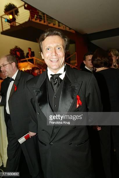 Jochen Kowalski Bei Der 10. Festlichen Operngala Für Die Deutsche Aids-Stiftung In Der Deutschen Oper Berlin Am 081103