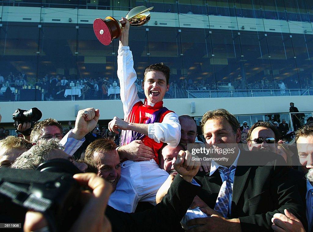 Danny Nikolic celebrates : News Photo