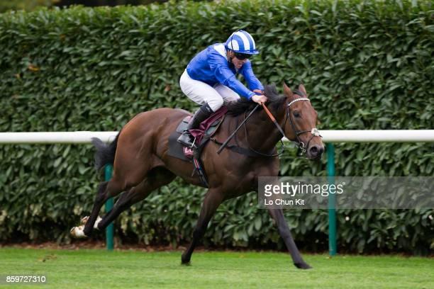 Jockey Jim Crowley riding Battaash wins the Race 6 Prix de l'Abbaye de Longchamp during the Qatar Prix de l'Arc de Triomphe Race Day on October 1...
