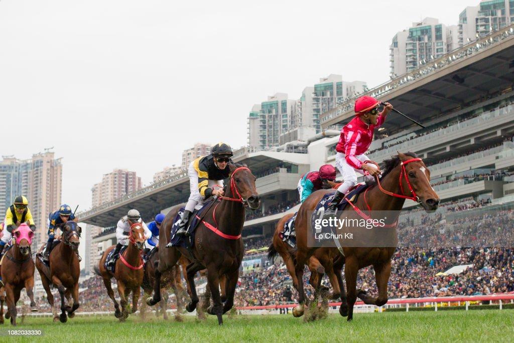 Mr Stunning wins Longines Hong Kong Sprint (G1 1200m) : News Photo