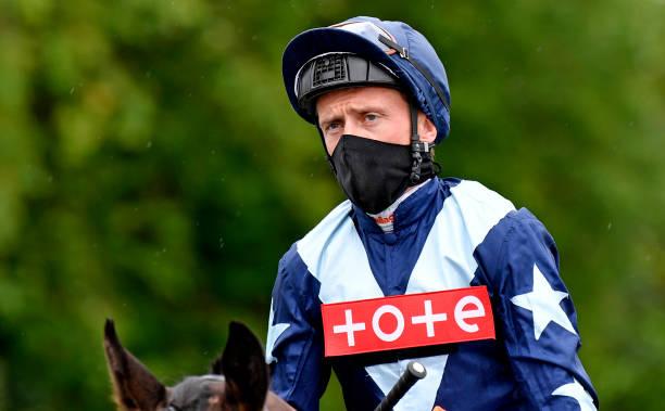 GBR: Lingfield Races
