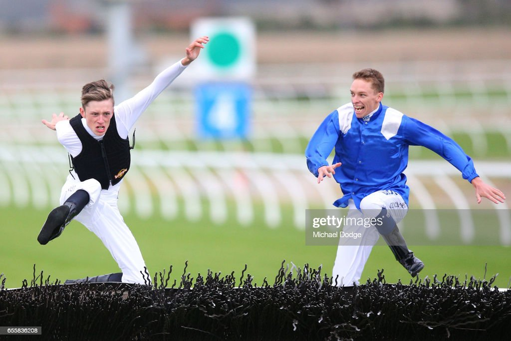 E- Cycle Solutions Maiden Hurdle : News Photo