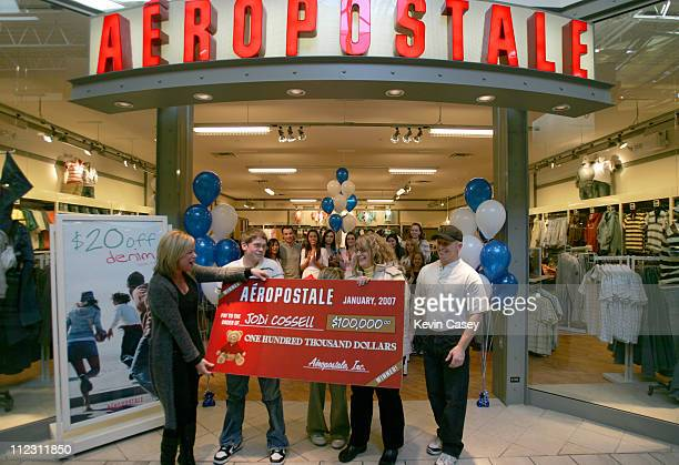Jodi Cossell winner of the AEROPOSTALE $100000 sweepstakes at the Alderwood Mall Store in Lynnwood Washington on Thursday February 1 2007 Jodi poses...