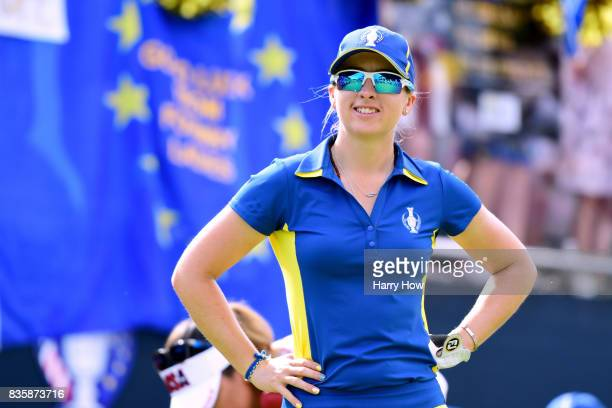 Jodi Ewart Shadoff of Team Europe smiles on the first tee during the final day singles matches of the Solheim Cup at the Des Moines Golf and Country...