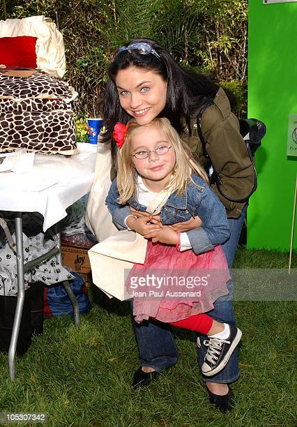 Jodi Lyn O'Keefe at La Petite Maison during Silver Spoon Dog and Baby Buffet Benefiting Much Love Animal Rescue Day Two at Private Residence in...