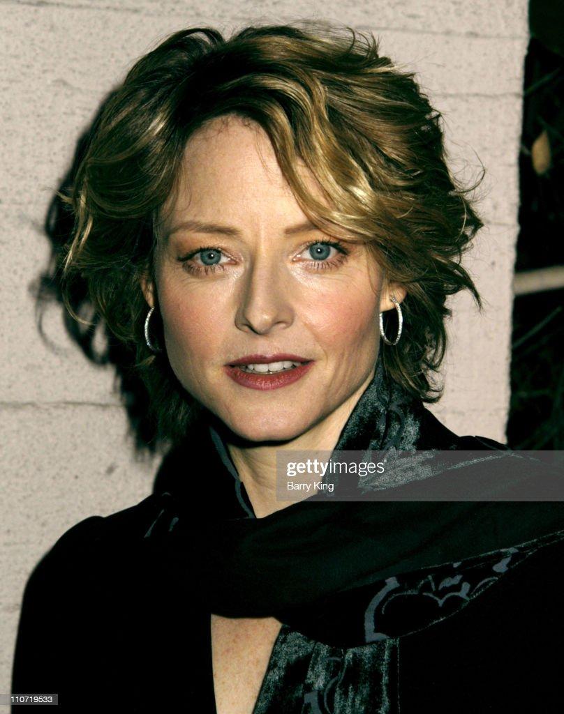 Jodie Foster During Us Ireland Alliance Honors Neil Jordan Jim
