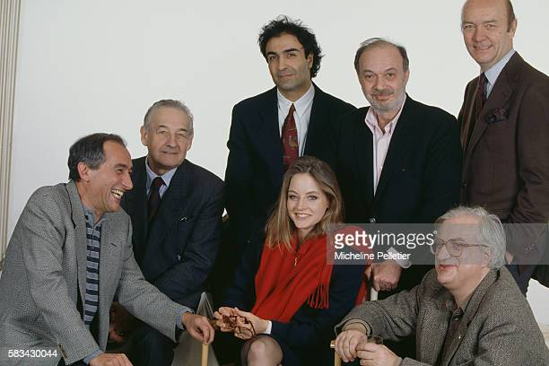 Jodie Foster in Paris for the presentation of the movie Shadows and Fog surrounded of directors screenwriters and producers Alain Corneau Andrzej...