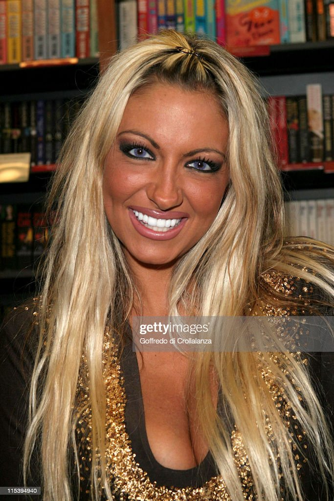 "Jodie Marsh Signs her New Autobiography ""Keeping It Real"" at Ottakar's - June"