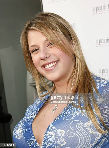 Jodie Sweetin arrives at A Pea in the Pod Fashion Show and Book Party for the Hot Moms Club on April 2 2008 at Pea in the Pod in Beverly Hills...