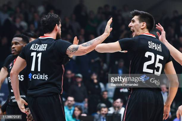 Joe Alexander of Besiktas and Kenan Sipahi of Besiktas celebrate during the Champions League Basketball match between Nanterre 92 and Besiktas JK at...