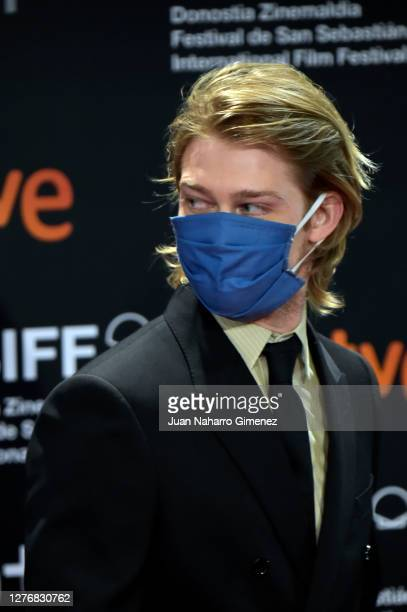 Joe Alwyn attends 'El Olvido Que Seremos' premiere during the 68th San Sebastian International Film Festival at the Kursaal Palace on September 26,...