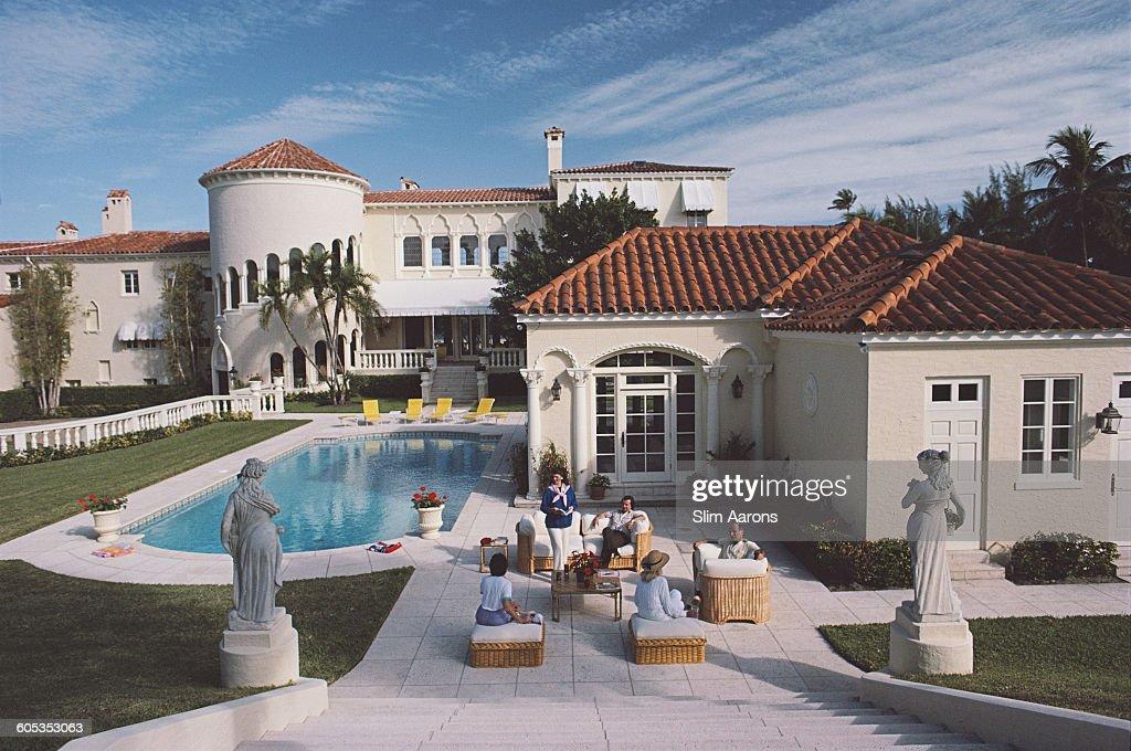 Palm Beach Villa : News Photo