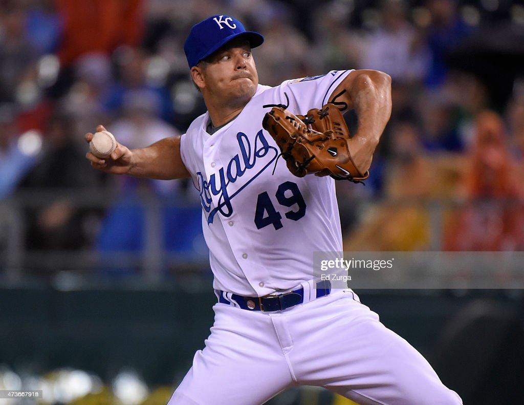 Joe Blanton #49 of the Kansas City Royals throws in the sixth inning against the New York Yankeesat Kauffman Stadium on May 16, 2014 in Kansas City, Missouri.