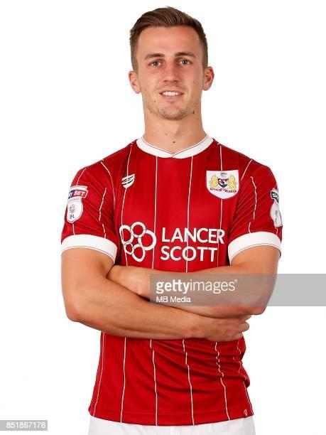 Joe Bryan of Bristol City Mandatory byline Robbie Stephenson/JMP FOOTBALL Ashton Gate Bristol England Bristol City Headshots