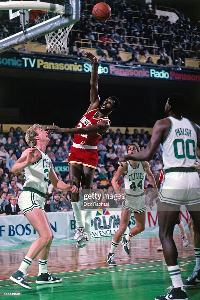 Joe Bryant #22 of the Houston Rockets shoots against Larry Bird #33 of the Boston Celtics during a game played in 1983 at the Boston Garden in Boston, Massachusetts.