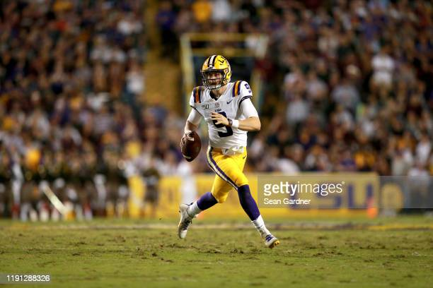 Joe Burrow of the LSU Tigers looks to pass during a game against the Texas A&M Aggies at Tiger Stadium on November 30, 2019 in Baton Rouge, Louisiana.