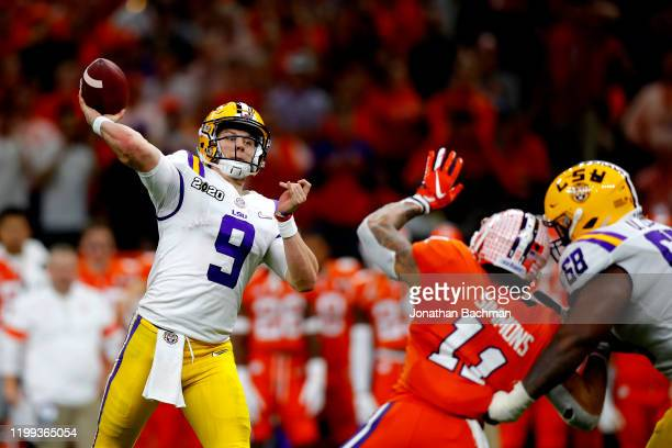 Joe Burrow of the LSU Tigers throws a pass against Clemson Tigers during the third quarter in the College Football Playoff National Championship game...